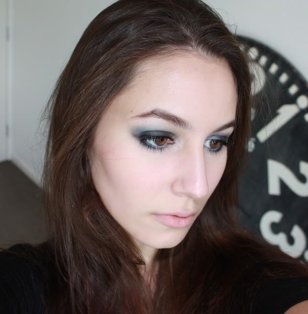 Smokey eyes – MAC Blue Flame