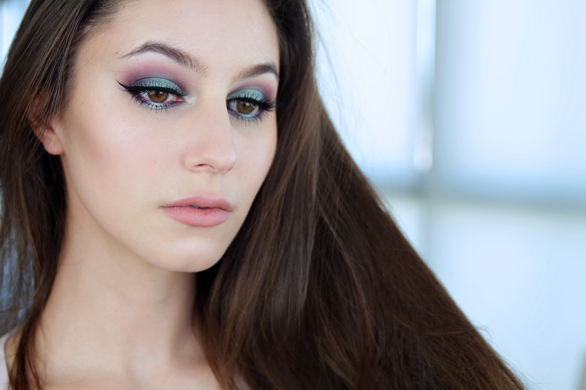 Bright Mermaid Eye Makeup Tutorial