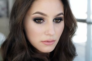 The Little Black Dress of Makeup – Smokey Eye Tutorial