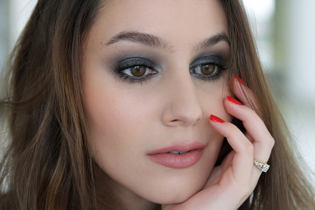 Modern Bombshell Makeup using Tom Ford