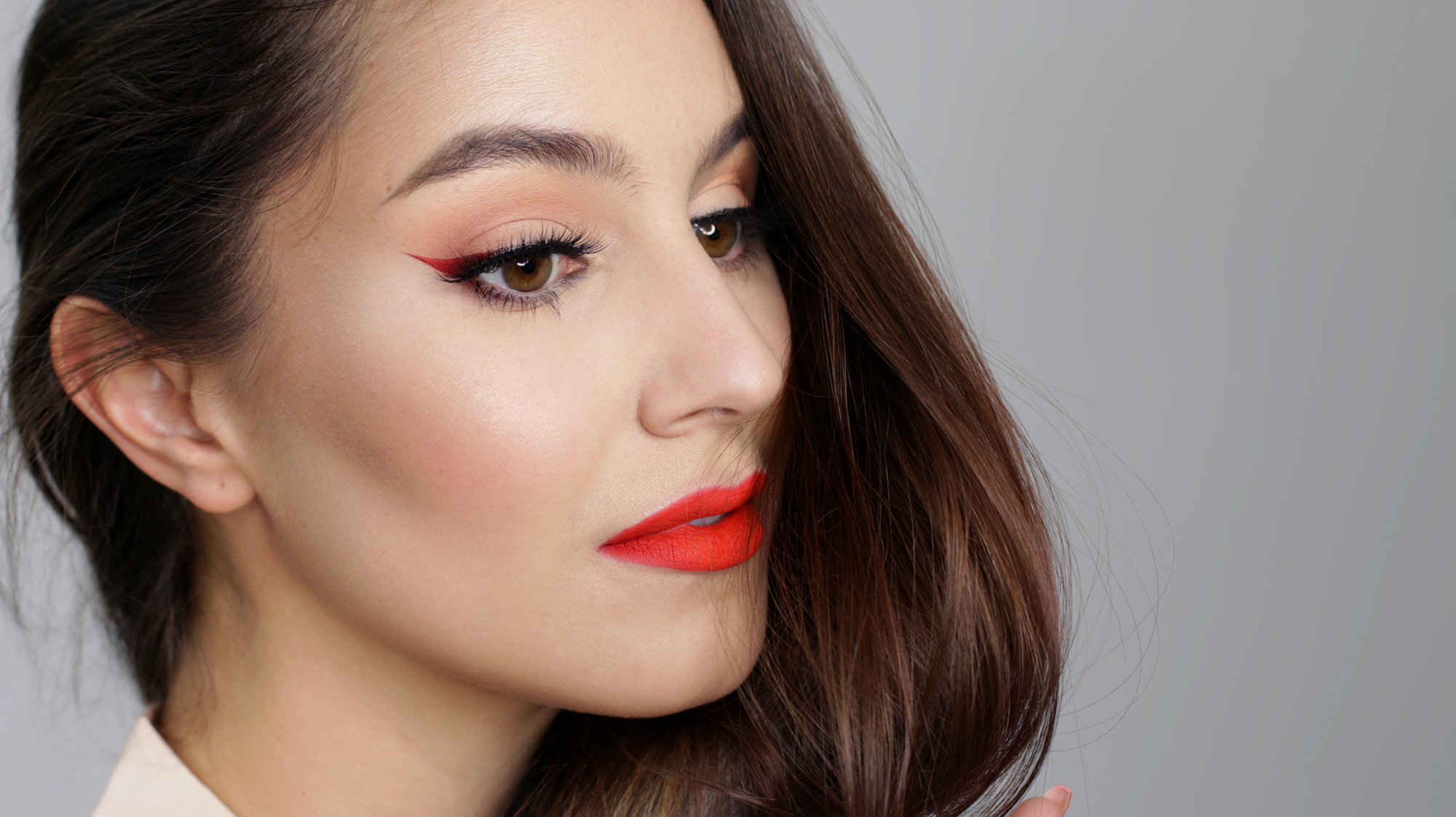 Christmas Makeup – Ombre Winged Liner & Red Lip Tutorial